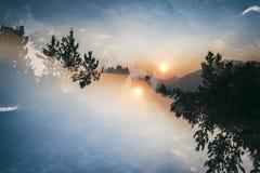 Заход солнца в горах, удваивает подверганный действию Стоковые Фотографии RF