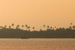 Заход солнца в море Стоковая Фотография RF