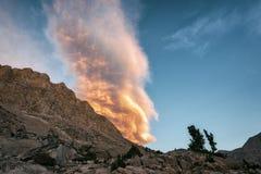 Заход солнца в национальном парке королей Каньона Стоковые Изображения RF
