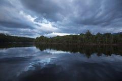 Заход солнца в национальном парке Canaima, Венесуэла стоковые фотографии rf
