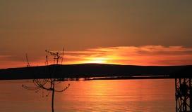 Заход солнца в озере Стоковые Фотографии RF