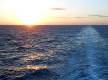Заход солнца в открытом море Стоковая Фотография RF