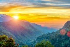 Заход солнца в долине около городка Эллы, Шри-Ланки Стоковое Изображение RF