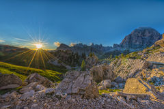 Заход солнца в доломитах, венето, Италия Стоковые Изображения RF