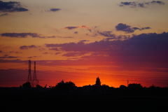 Заход солнца в пригородах Стоковая Фотография