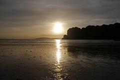 Заход солнца в пляже Railay Таиланд Стоковое Изображение