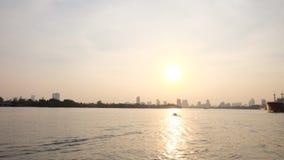 Заход солнца в реке Стоковое Фото