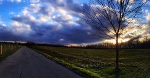 Заход солнца в стране Стоковое Изображение RF