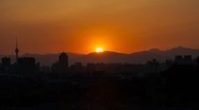 Заход солнца в холме Jing стоковые фотографии rf