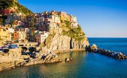 Заход солнца в Manarola, Cinque Terre, Италии стоковые изображения rf