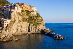 Заход солнца в Manarola, Cinque Terre, Италии стоковые изображения