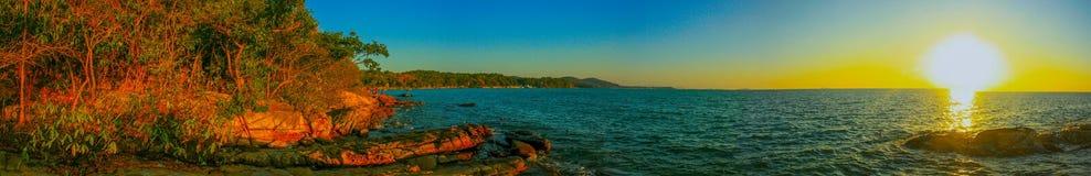 Заход солнца в samed море стоковое изображение