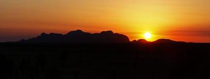 Заход солнца в Uluru Стоковое Изображение