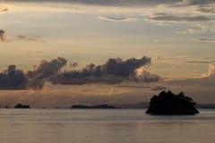 Заход солнца в Wayilbatan, радже Ampat Стоковое Изображение RF