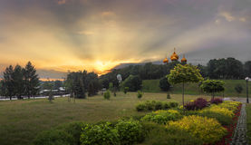 Заход солнца в Yaroslavl, России Стоковое Изображение