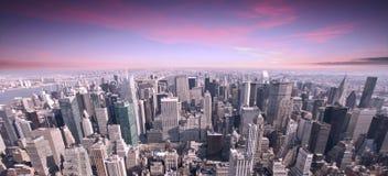 Заход солнца горизонта города NYC