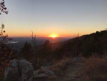 Заход солнца горного вида Стоковые Изображения