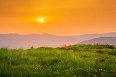заход солнца гор ландшафта изображения hdr величественный померанцовое небо Стоковое Изображение