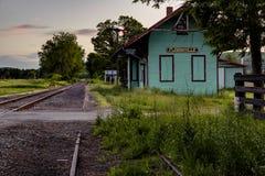 Заход солнца - депо поезда - Flemingville, Нью-Йорк Стоковое Фото