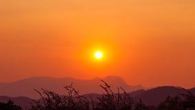 Заход солнца и гора Стоковые Изображения RF