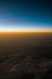 Заход солнца или восход солнца осмотренные от самолета Стоковые Фотографии RF
