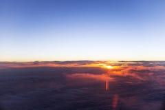 Заход солнца или восход солнца от самолета Стоковое фото RF