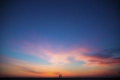 Заход солнца и люди Стоковое фото RF