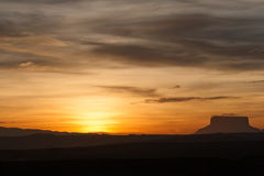 Заход солнца и tepui Стоковая Фотография RF