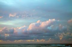 Заход солнца Кауаи, Гаваи Стоковое Изображение RF