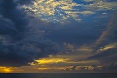 Заход солнца Кауаи, Гаваи Стоковые Изображения