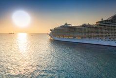 заход солнца корабля sailing круиза Стоковое Изображение RF