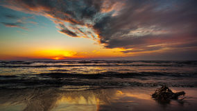 Заход солнца Красивый заход солнца Чёрное море Заход солнца моря золота Стоковые Фото