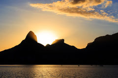 Заход солнца Лагуна Rodrigo de Freitas (Lagoa), Рио-де-Жанейро, Brazi Стоковое Фото