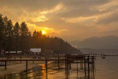 Заход солнца Лаке Таюое стоковые изображения rf