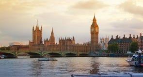 Заход солнца Лондона парламент домов ben большой Стоковые Изображения RF