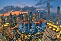 заход солнца места Марины Дубай городского пейзажа панорамный Стоковые Изображения RF