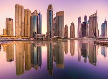 заход солнца места Марины Дубай городского пейзажа панорамный Стоковые Изображения