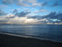 заход солнца моря вечера осени прибалтийский Стоковые Фотографии RF