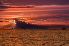 заход солнца моря панорамы ландшафта 3d Стоковые Фото
