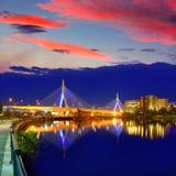 Заход солнца моста Бостона Zakim в Массачусетсе Стоковые Фотографии RF