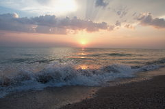 Заход солнца над ландшафтом моря красивым Стоковое Фото