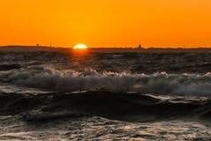 Заход солнца на взморье Стоковые Фото