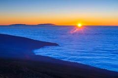 Заход солнца над вулканом Teide в Тенерифе Стоковая Фотография RF