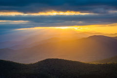 Заход солнца над горами голубого Риджа от утеса таблицы, на оправе Стоковые Изображения