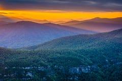 Заход солнца над горами голубого Риджа от утеса таблицы, на оправе Стоковое фото RF