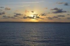 Заход солнца на горизонте Стоковые Изображения RF