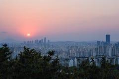 Заход солнца на городе Сеула Стоковое фото RF