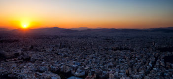 Заход солнца над городом Афин Стоковые Изображения RF