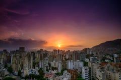 Заход солнца над городом Каракаса стоковое фото