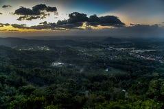 Заход солнца над городом Jogjakarta, Jawa, Индонезии Стоковая Фотография RF
